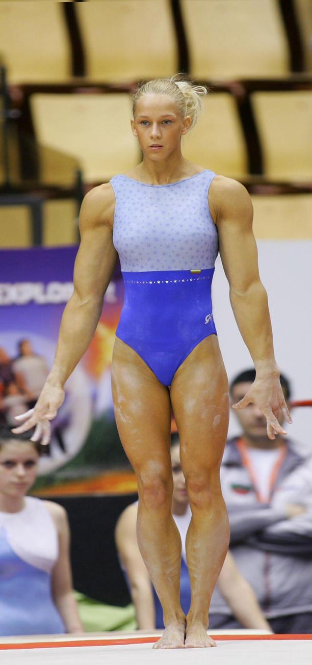 Flexing her muscles in leggings then flexing her asshole 4