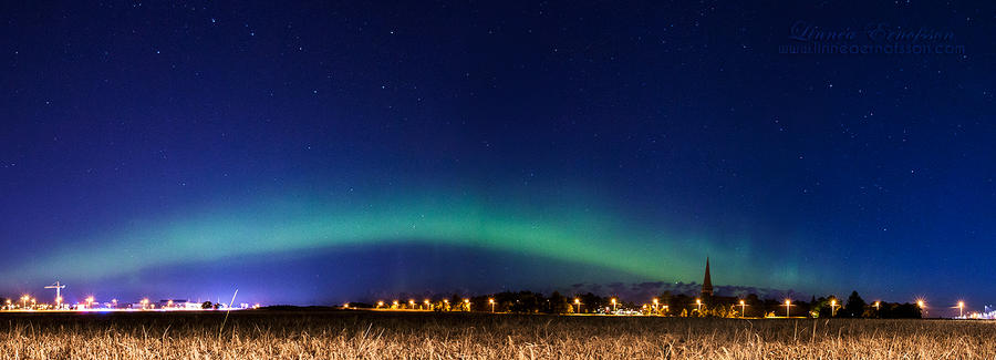Uppsala Northern Lights Panorama by linneaphoto