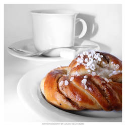 Cafe break by jadvice