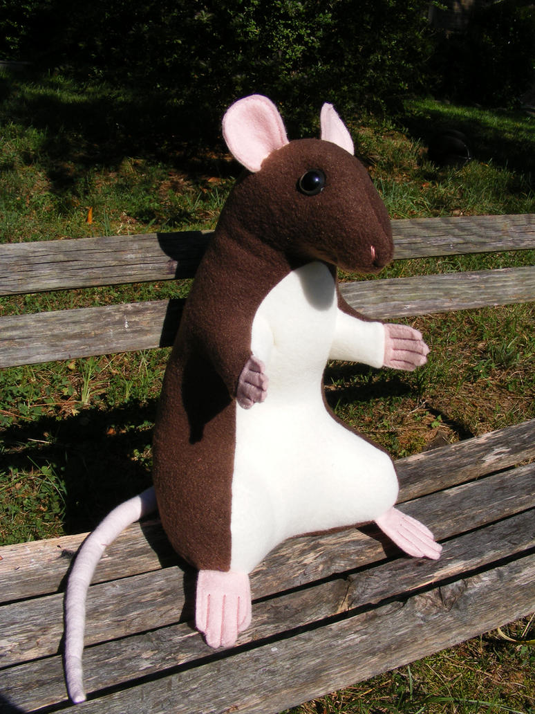 Rattie Plushie by Aycelcus