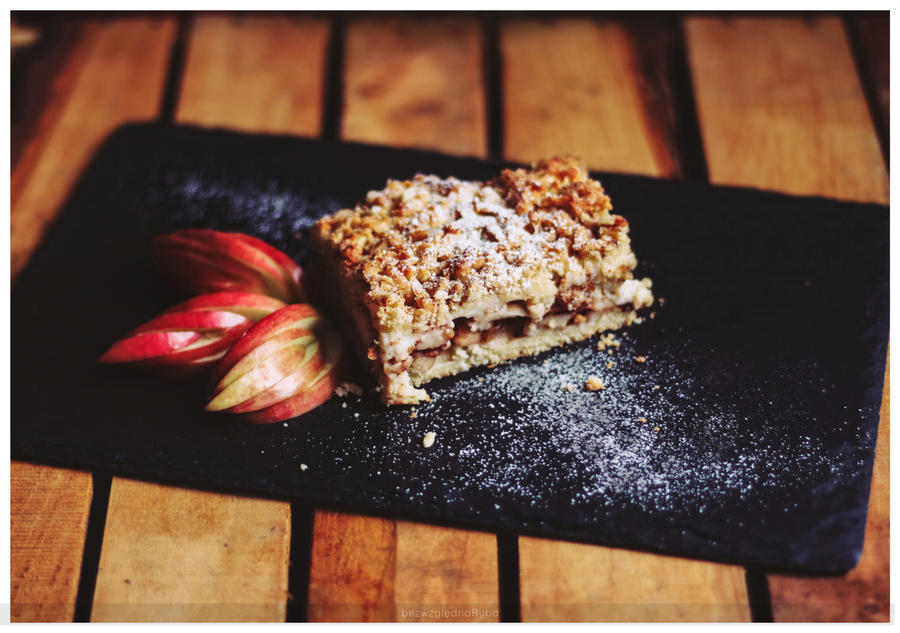 Apple pie by BezwzglednaRyba