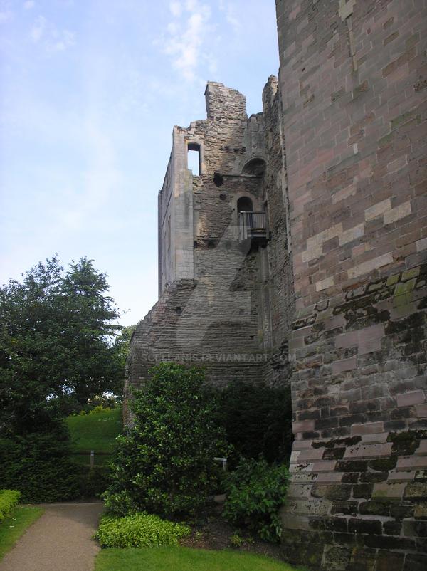 Newark Castle by Scellanis