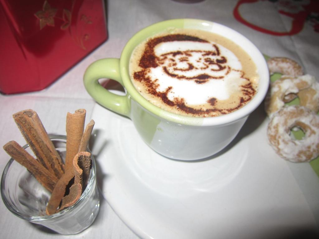 Merry Christmas - Latte art by troskx on DeviantArt