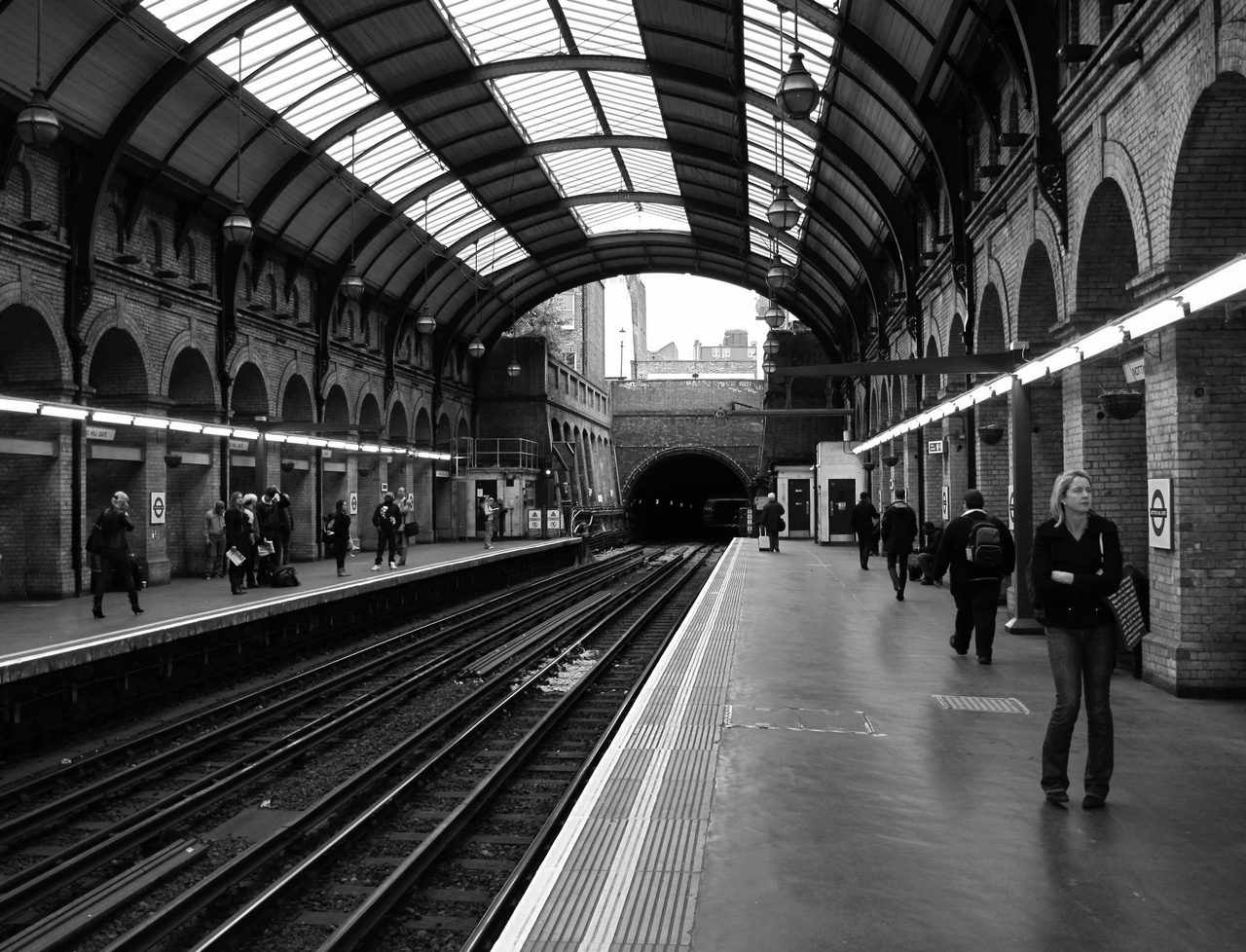 Notting Hill Tube Station by Smaragd01