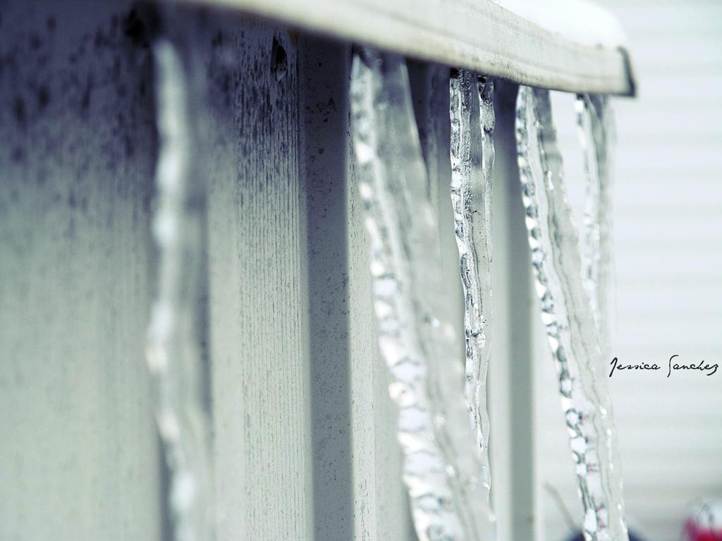 Frozen by cheekz-jess