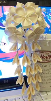 Cream Kanzashi Hair Pin