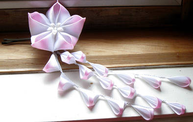 White and Pink Kanzashi