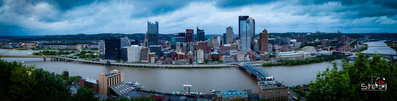 Pittsburgh, PA - Rainy Day before the Marathon