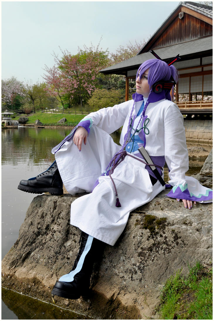 Vocaloid - The Resting Samurai by llewella20