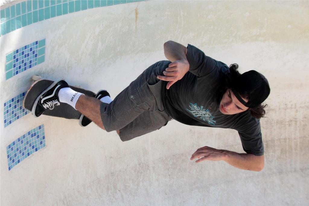 Pool Skate 3 by Polyrender