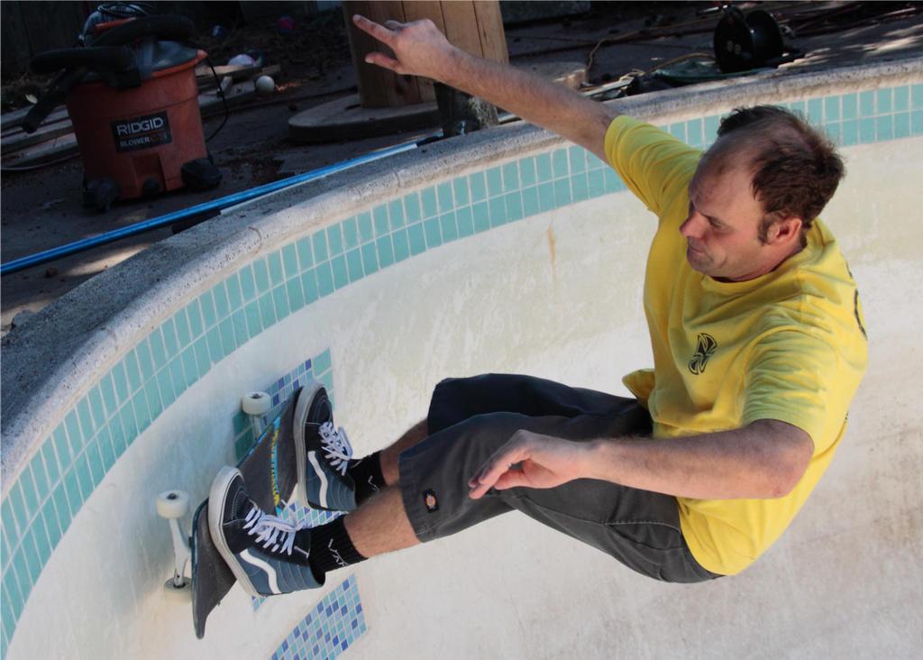 Pool Skate 4 by Polyrender