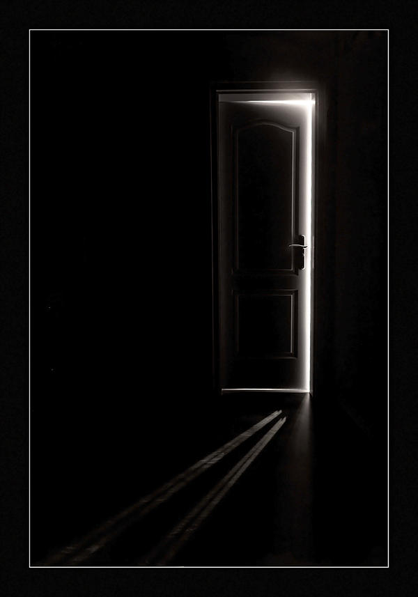 http://fc02.deviantart.net/fs35/i/2008/297/e/d/secret_room_by_arbebuk.jpg