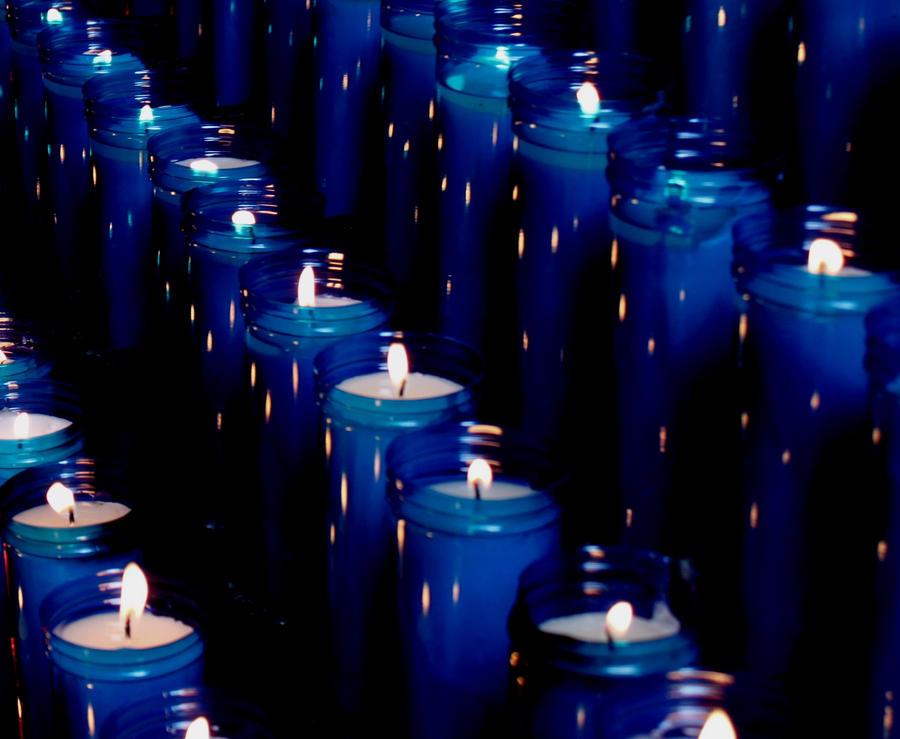 Resultado de imagem para vela azul de siete días encendida