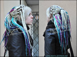 Blond etc. synthetic dreads by Masquerade-Infernale