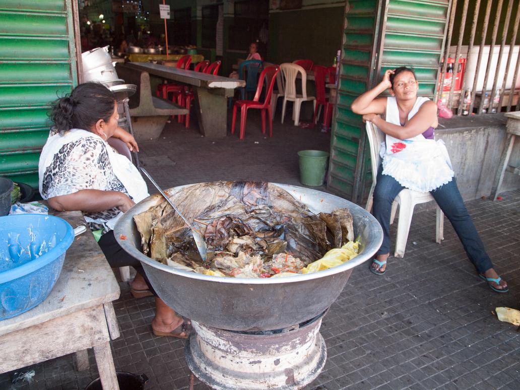 Women Food Vendors in Leon, Nicaragua by vanfoto