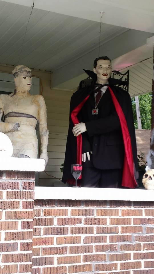 Drac and Mummy dearest by bigton