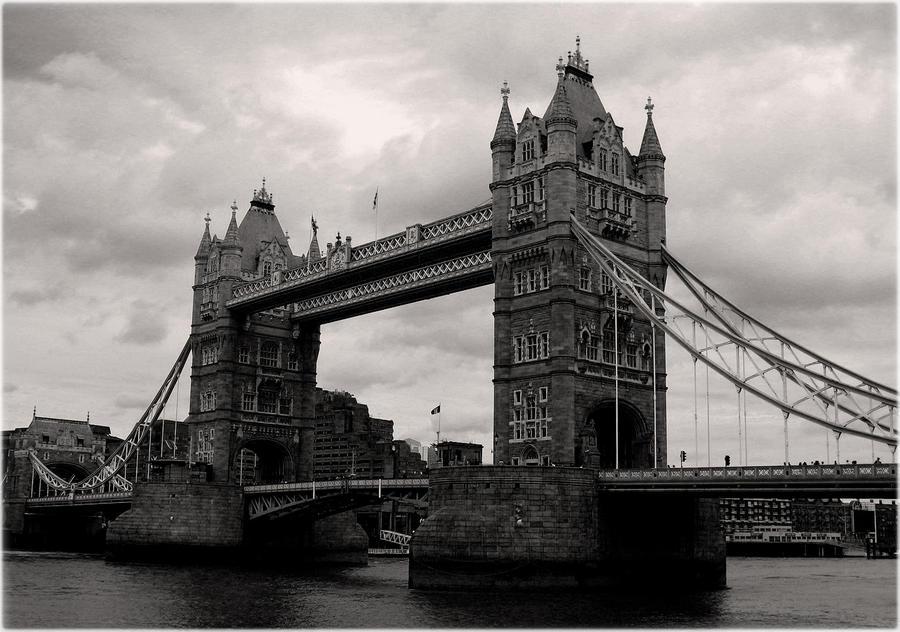 London Tower Bridge by jinhuang