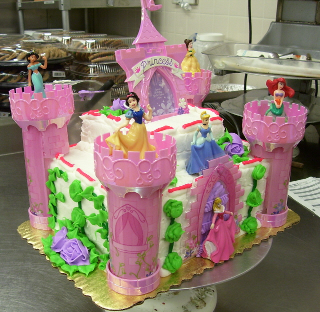 Princess Castle Cake by zoro-swordsman