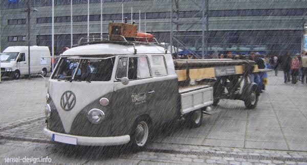 Rainy Day VW Bus by khaoze