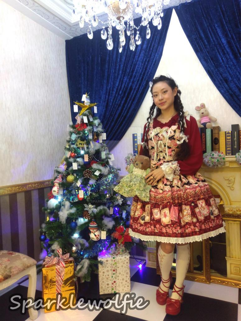 Merry Christmas in Wonderland by SparkleWolfie