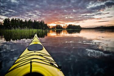 Canoeing.. by sampok