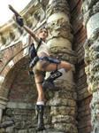 Tomb Raider: Legend. Climbing.