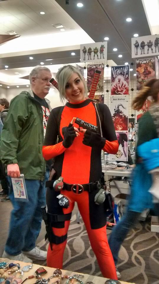 Female Deadpool by 5minalone