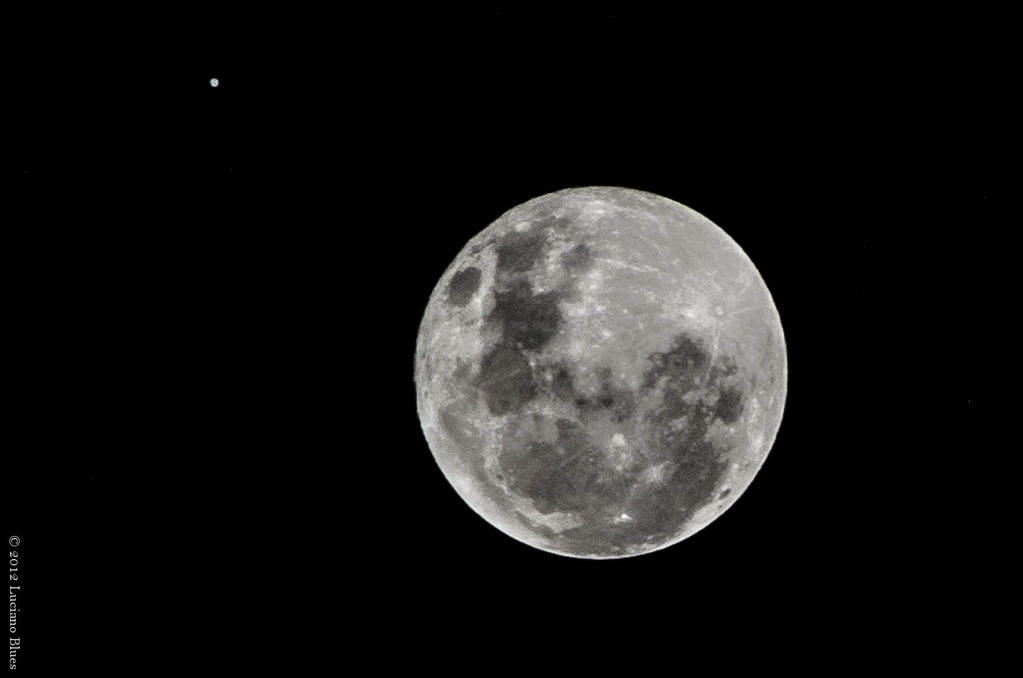 Moon and Jupiter by lucianoW