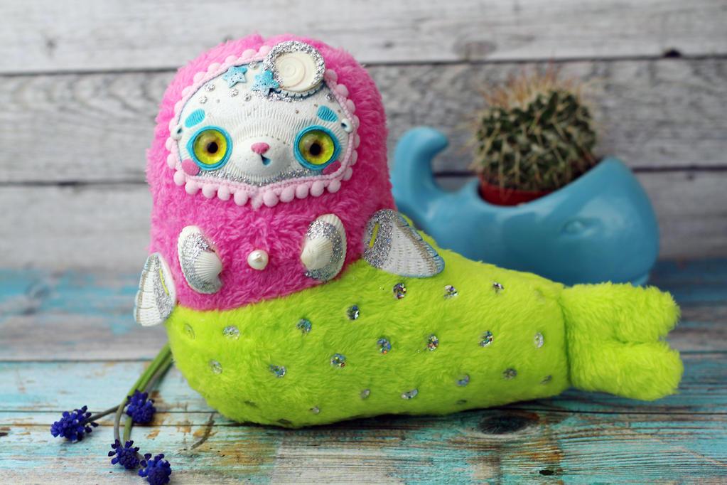 Yellow- eyed beauty mermaid-seal by SoniaMarmeladova