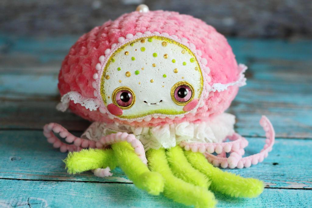 Kawaii jellyfish doll by SoniaMarmeladova
