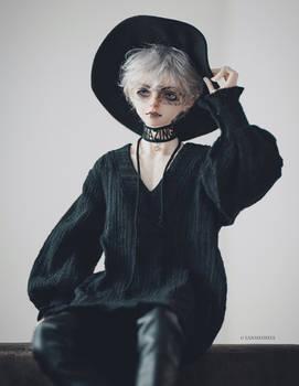 Black hat I
