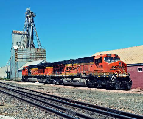 BNSF 5906 8520 Post Collision