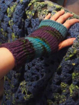 blue and purple fingerless gloves