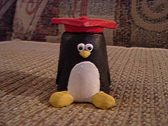 Grad Penguin by ElfMistress
