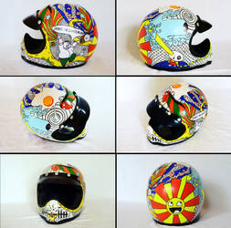 helmet painted with acrylic color and markers by bvahahan