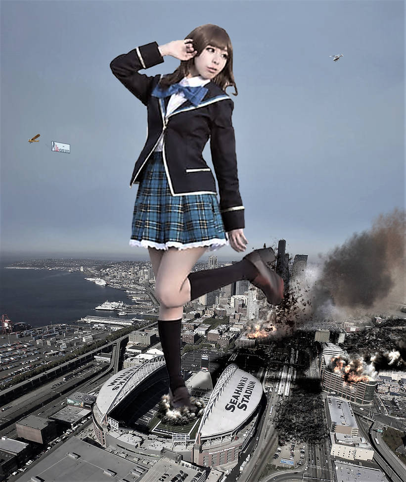 Japaneese giantess