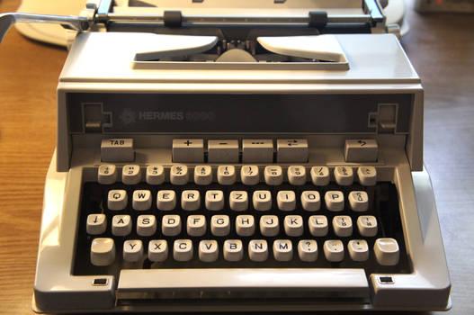Hermes 3000. Typewriter. Made: 1975