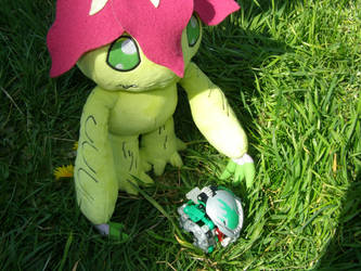 Palmon and the strange looking ball by g1bfan