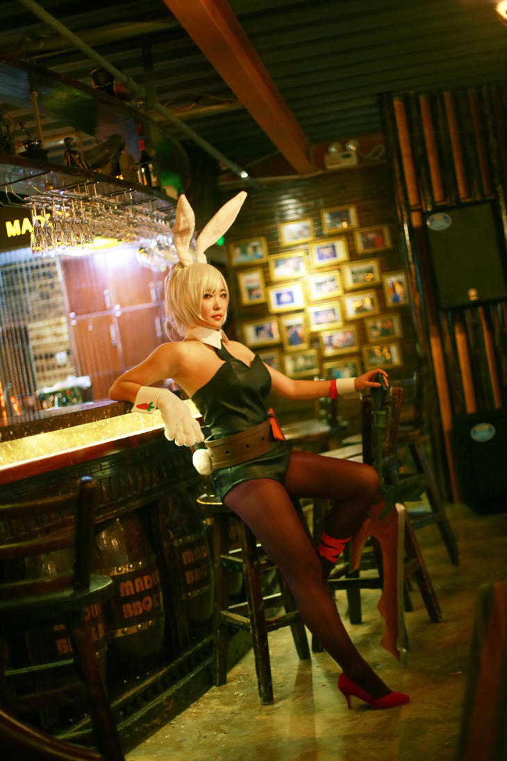 RIVEN BEATLE BUNNY by sanmesongs