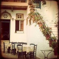 small tavern at Tinos by leukoula