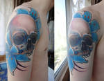 tattoo Skull and flowers