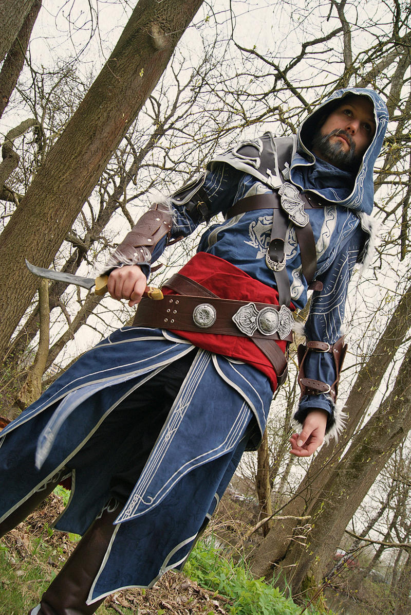 ACR - Ezio Cosplay 3_ Animuc 2012 by LadyBad