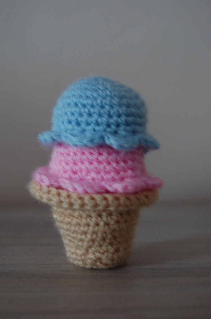 Amigurumi Ice Cream Tutorial : Ice Cream Amigurumi by Redostrike on deviantART