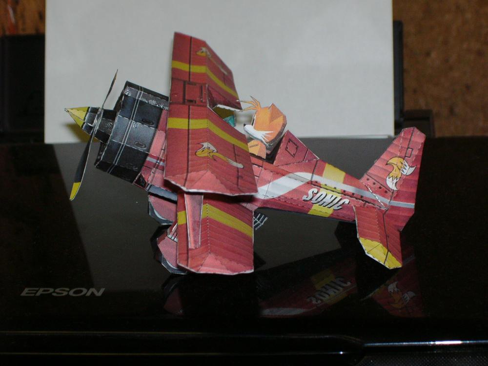 Papercrafts Papercraft_Tornado_Biplane_by_Esteban1988