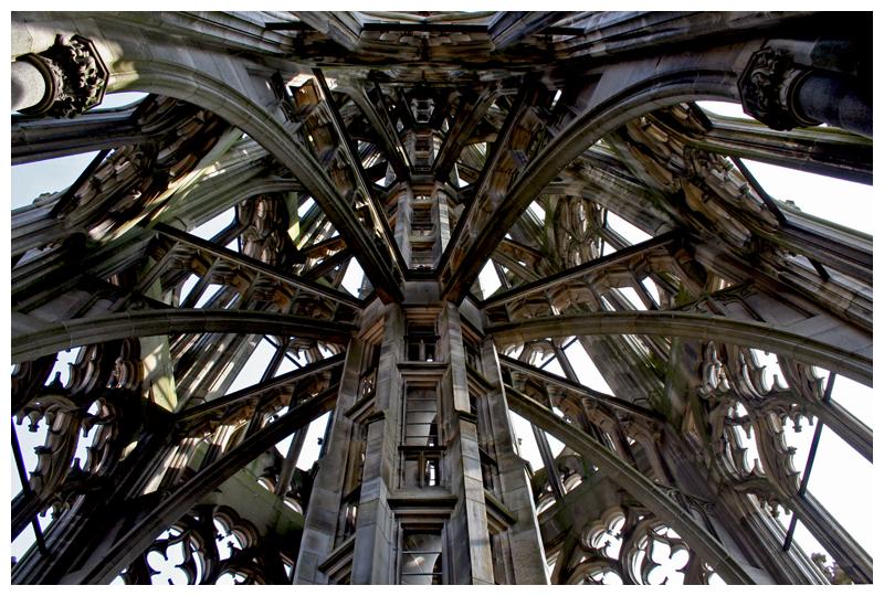 Spidery steeple by kamuidestiny