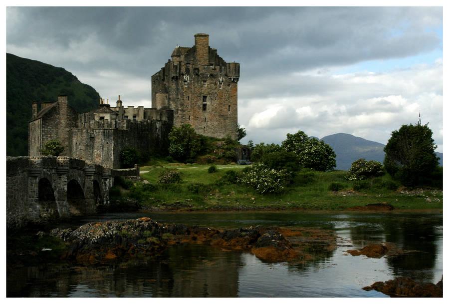 Eilean Donan by kamuidestiny