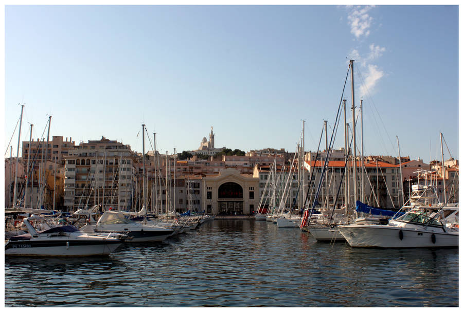 Marseille Harbor by kamuidestiny