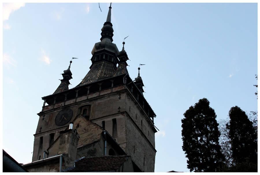 Sighosoara Clock Tower by kamuidestiny