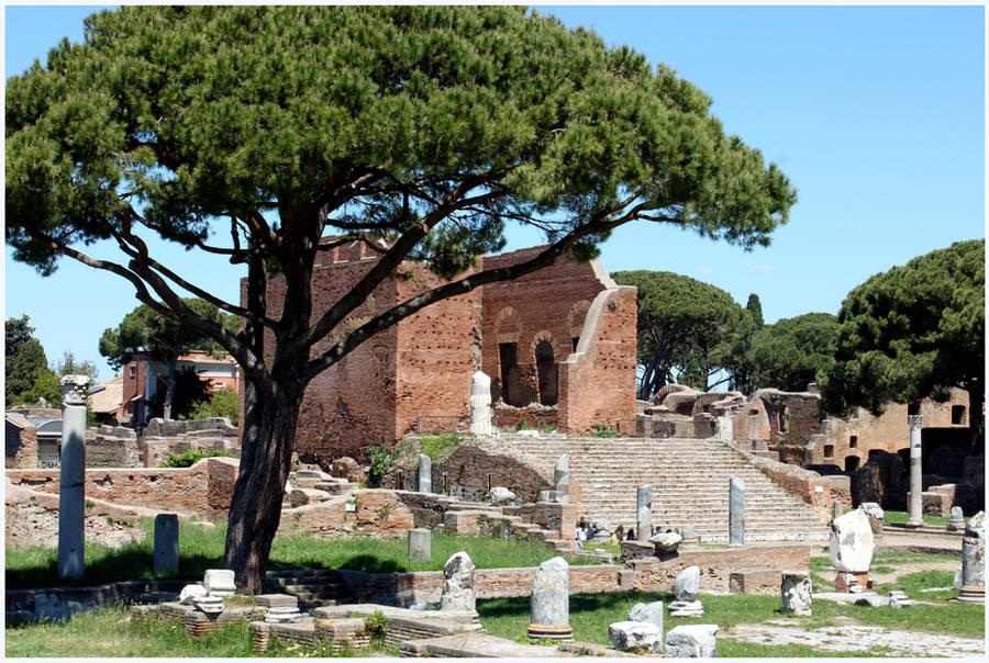 Ostia Antica Temple by kamuidestiny