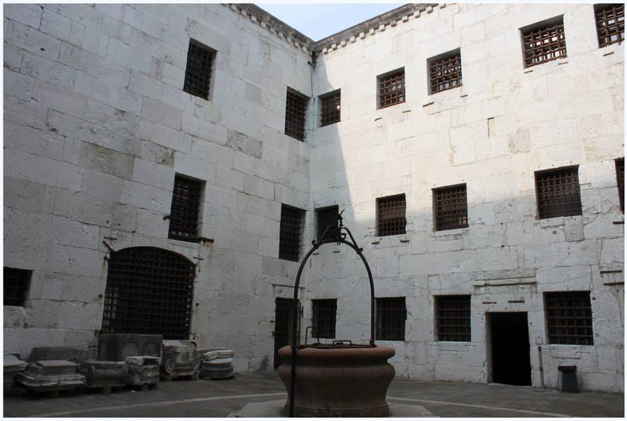 Venice Prison by kamuidestiny